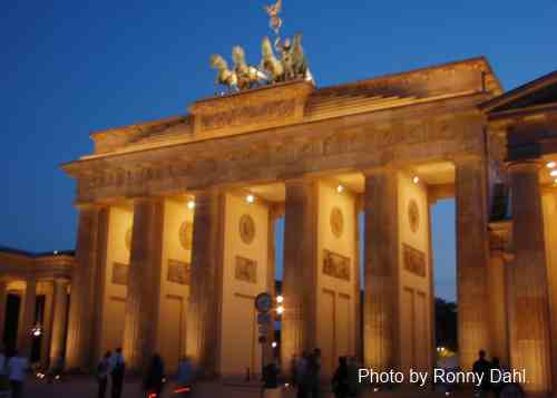 Brandenburg Gate by night, Berlin